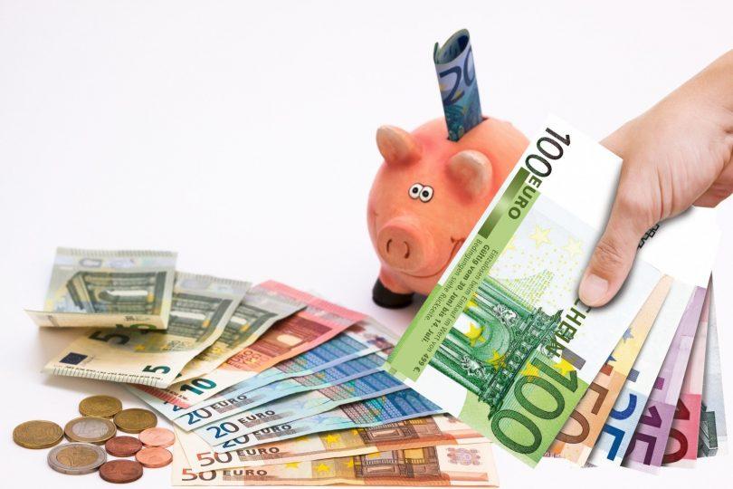 Saiba como abrir uma conta no exterior e como declarar no Imposto de Renda