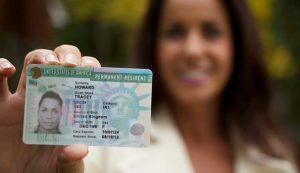 O Green Card é a permissão permanente para trabalhar e morar nos EUA.