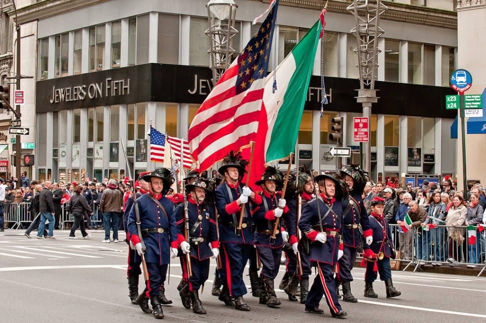 O Columbus Day comemora a chegada de Cristovão Colombo na América, o que deu início à colonização.