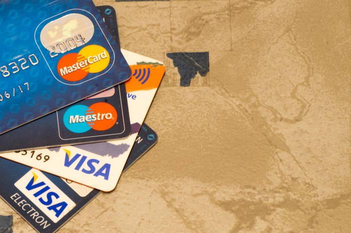 Usar um Travel Card Pré-Pago em viagens internacionais possui diversos benefícios, entre eles não ficar sujeito à variação cambial.