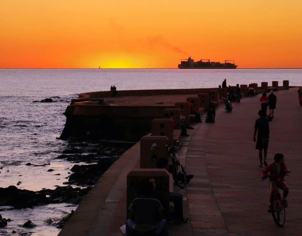 Uruguai La Rambla de Montevideo 1024x800 - Uruguai: Tudo que você precisa saber para morar no país