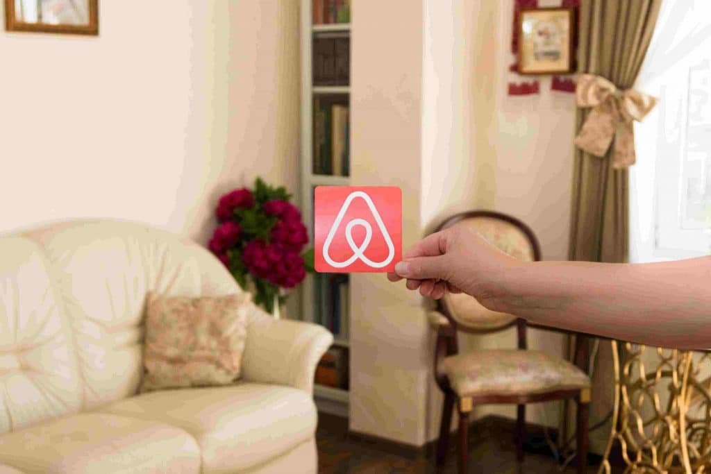 Adicione boas fotos do local para atrair hóspedes no Airbnb.
