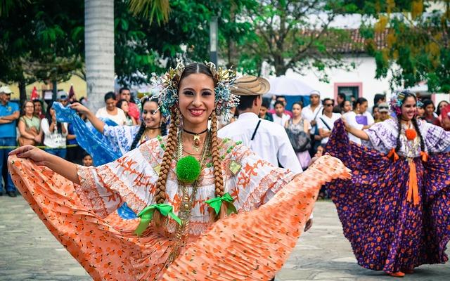 Ao lado do Panamá, a Costa Rica chama a atenção por seu custo de vida barato, praias belíssimas e muito sol.