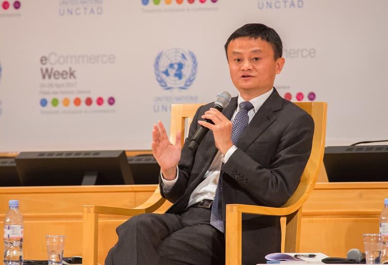 Jack Ma fundou o Alibaba, grupo do qual faz parte o aliexpress, em 1998