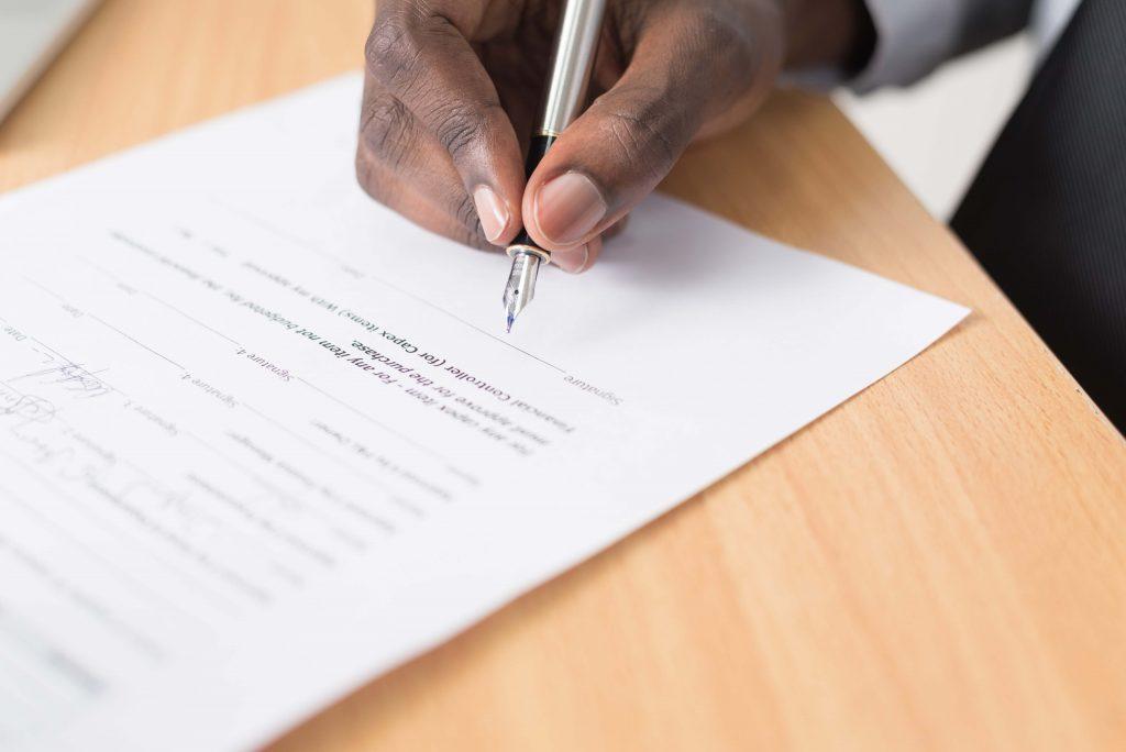 Cada país requer documentos específicos para permitir o aluguel de imóveis por estrangeiros.