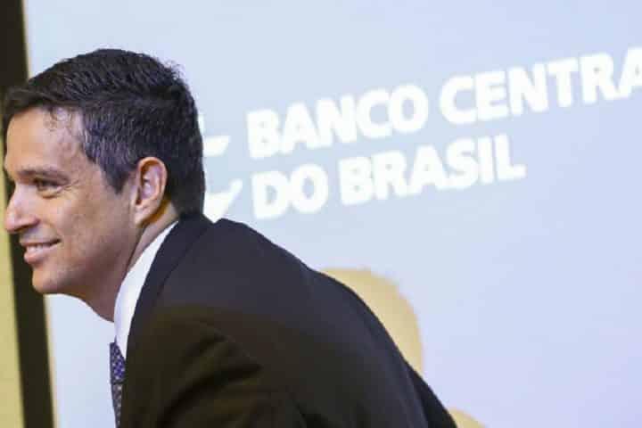 Roberto Campos Neto: ações do BC no mercado de câmbio ajudaram a derrubar o dólar