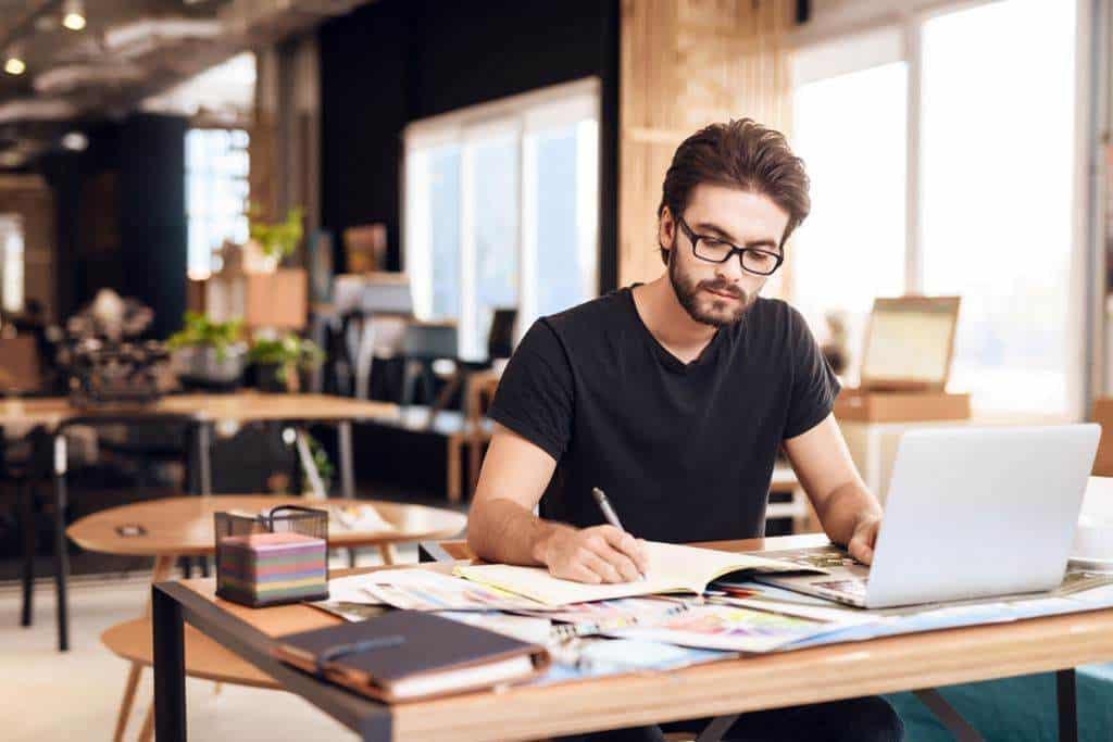 Para ser freelancer é necessário disciplina e organização.