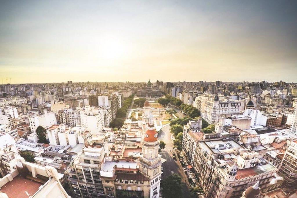Sabe onde vai passar sua virada de ano novo? Conheça alguns destinos da América do Sul que reúnem belezas, badalação e preços baixos.