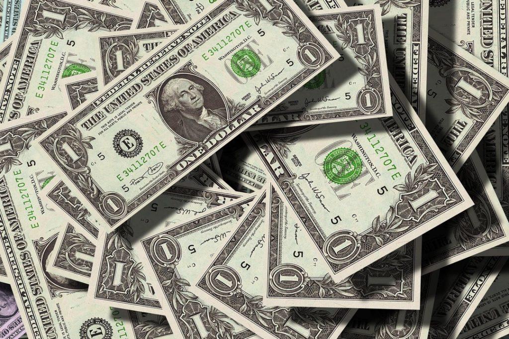 Saiba o que é, qual a finalidade e como comprar dólar comercial e entenda quais são práticas mais comuns do mercado financeiro em relação à sua aquisição.