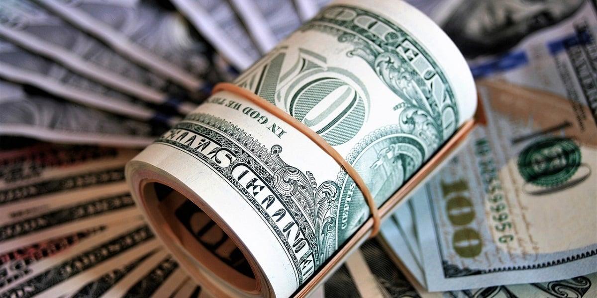 dólar hoje abre acima de R$ 4,20 em dia sem indicadores