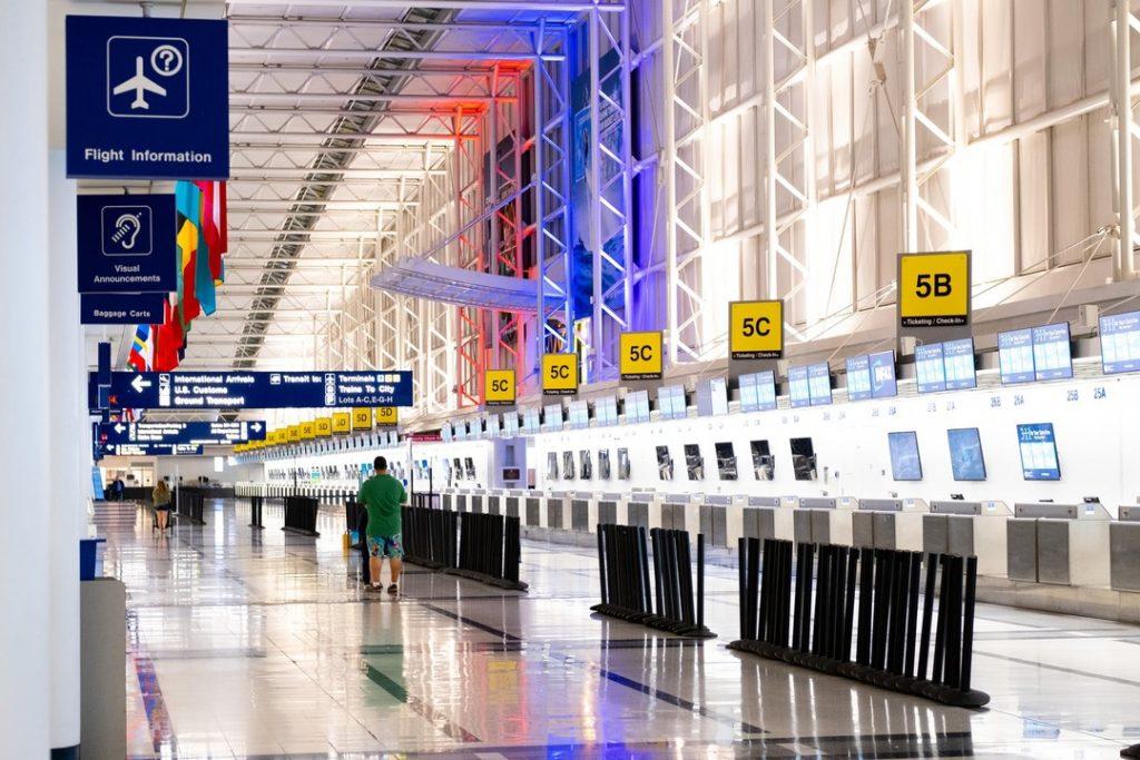 Está com viagem e marcada ou pretende viajar de avião? Veja nesse artigo dicas que vão facilitar sua forma de fazer check-in e se organizar antes dele.