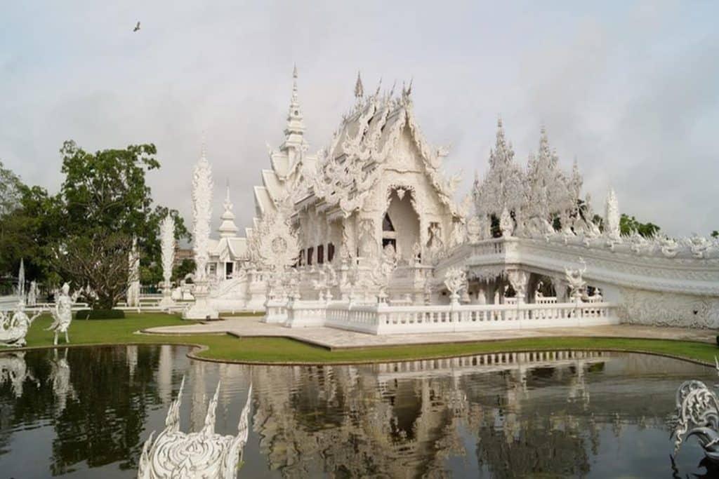 Conheça os países mais visitados da Ásia, seus principais pontos turísticos e curiosidades interessantes a respeito da cultura local. Confira neste post!