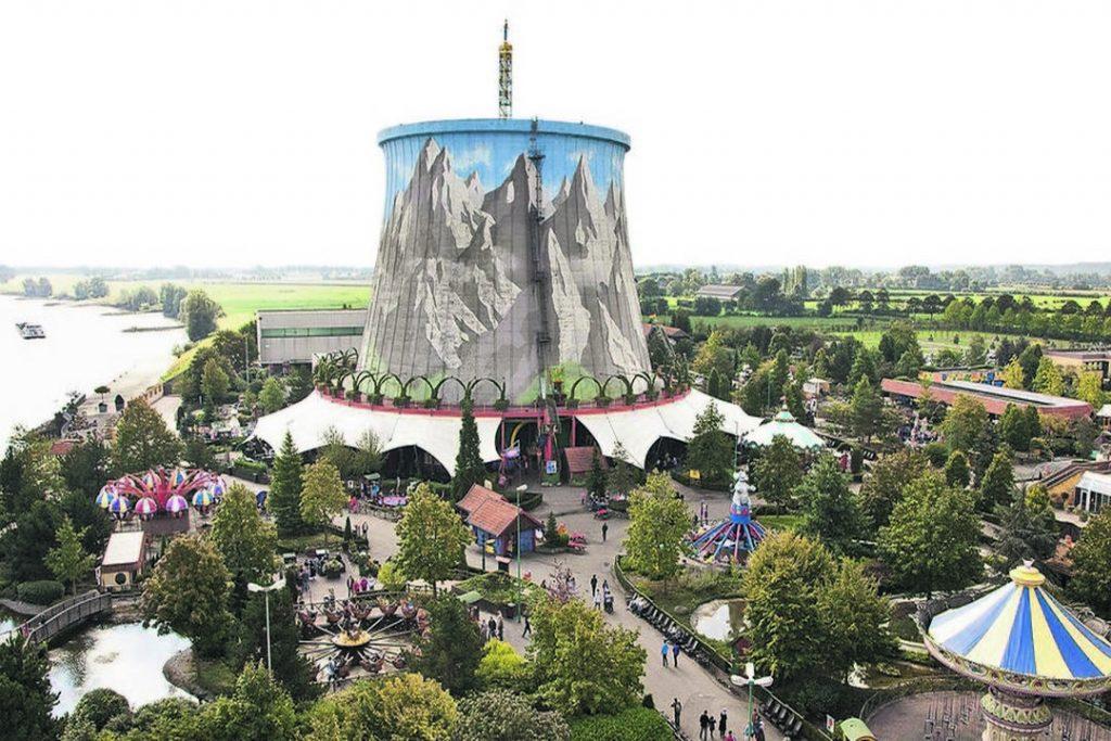 O Wunderland Kalkar é um parque de diversão construído nas ruínas de uma antiga usina nuclear.
