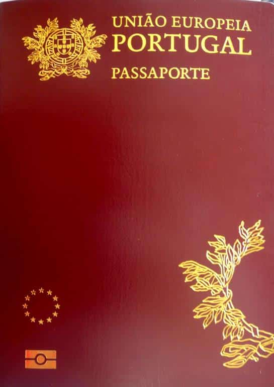 depois de seguir as orientações e tiver todos os documentos necessários para que você seja considerado um cidadão português, já pode solicitar o seu passaporte do país