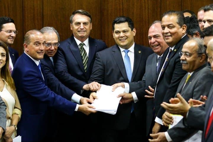 Reformas e leilão do pré-sal podem favorecer o Real. Crédito da foto: Marcelo Camargo/Agência Brasil