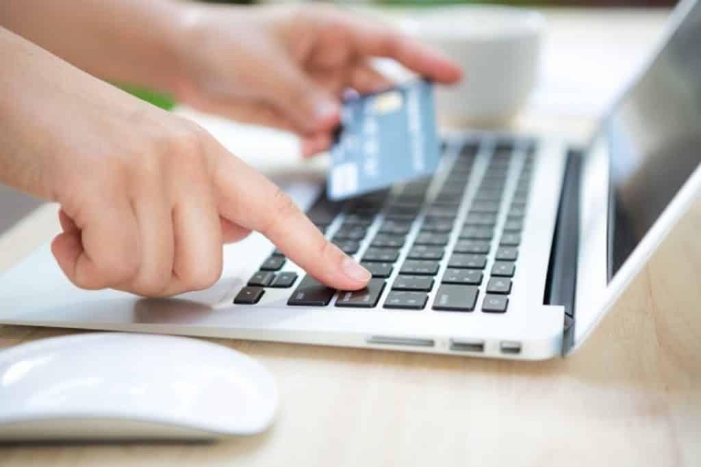Conheça a fintech Revolut, sua origem, quais são os seus serviços e as suas principais funcionalidades. Confira neste artigo!