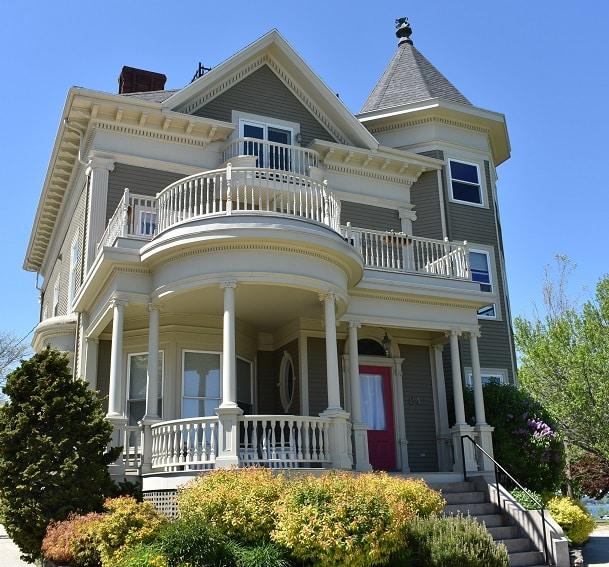 Para concretizar a compra de imóvel nos estados Unidos é necessário um corretor e uma imobiliária.