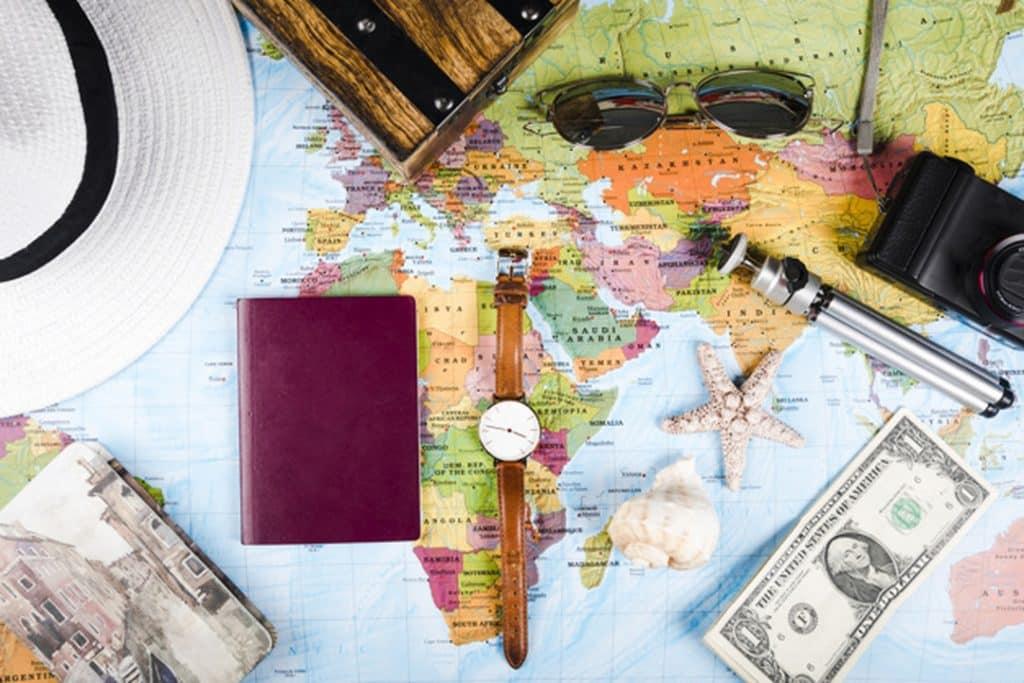 Pesquise sobre os hábitos culturais do país para onde você vai viajar. Isso ajuda a evitar estranhamento cultural.
