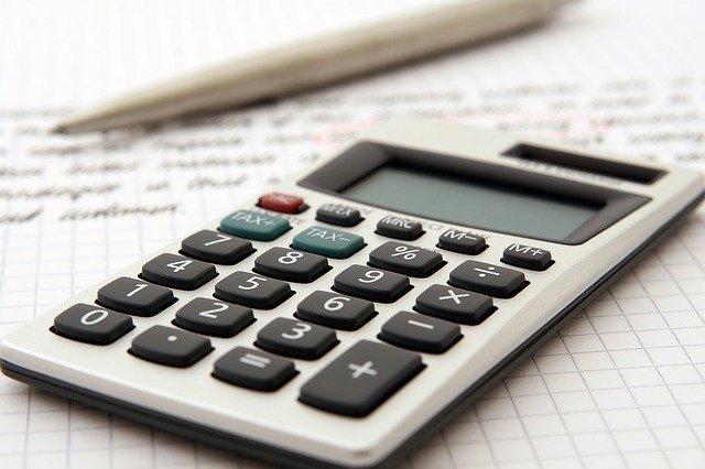Siba o passo a passo de como declarar o Imposto de Renda morando no exterior.