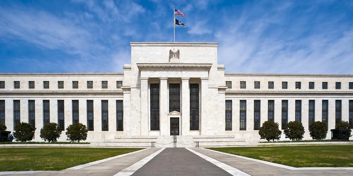 Câmbio em compasso de espera pelas decisões sobre juros no Bacen e no Federal Reserve