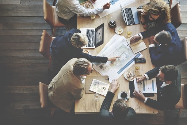 Um dos principais benefícios da rodada de negócios é a construção de networking.