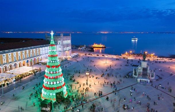 Assim como acontece na maioria dos países ocidentais, o Natal é um dos principais feriados em Portugal.