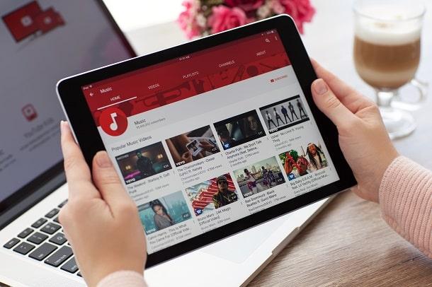 Através das networks do Youtube, youtubers podem ter suporte para produção e planejamento de seus canais.