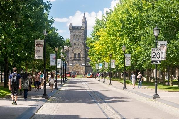Universidade de países como França e Canadá (foto) também exigem a nota do ENEM como parte do processo seletivo para estudantes brasileiros.