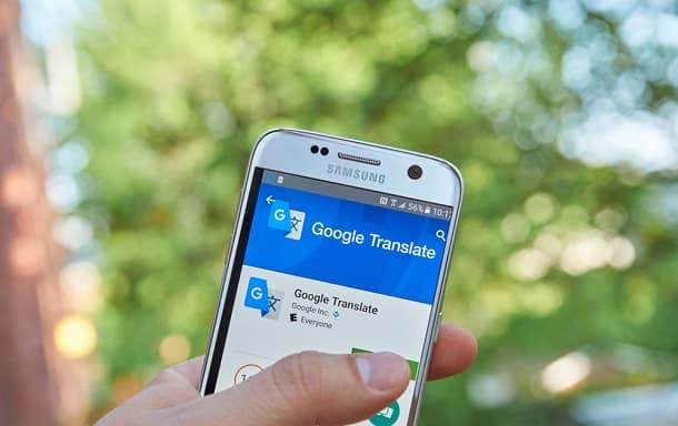 O Google Translate pode ajudar bastante a se comunicar em um país novo onde você não fala o idioma local.
