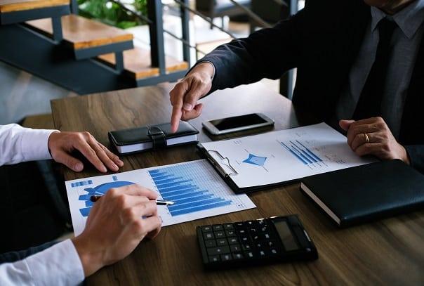 O montante acumulado durante determinado período é o estoque de investimento estrangeiro.