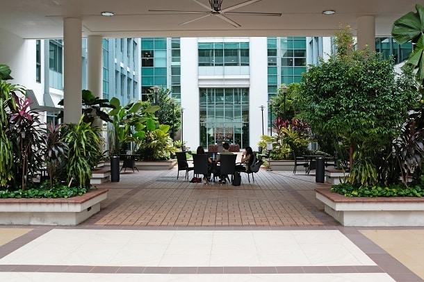 Na foto vemos parte do campus de Singapura do INSEAD.