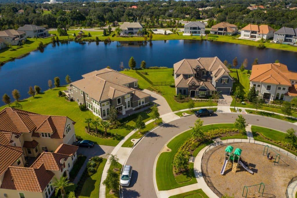 Você sabe quais são os melhores bairros de Orlando? Se você pretende morar na cidade e tem dúvidas sobre qual bairro escolher, veja tudo neste post!