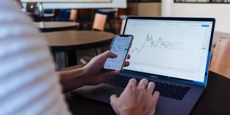 Para investir em COE, você precisa conhecer as características dessa modalidade, que combina renda fixa e variável. Fique por dentro em nosso artigo!