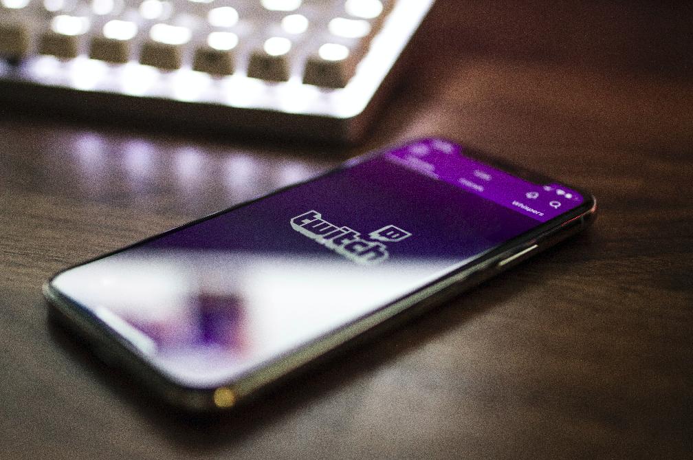 É possível ganhar dinheiro para jogar games com Twitch