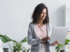 A Azulis oferece serviços gratuitos de comparação entre diferentes alternativas do mercado. Assim, você gerencia melhor seu negócio e obtém benefícios.