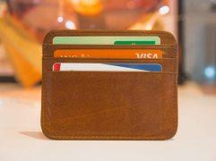 O limite do cartão de crédito pode ser aumentado de forma automática, ou por solicitação ao banco. Um bom relacionamento é fundamental!
