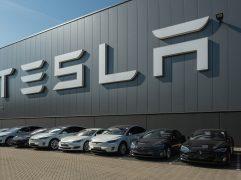 Como-comprar-ações-da-Tesla