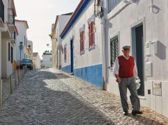 Veja como se aposentar e ir morar em Portugal