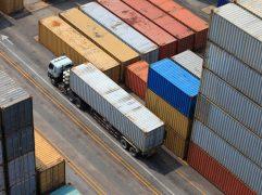 Regras de exportação: foto aérea de contêineres