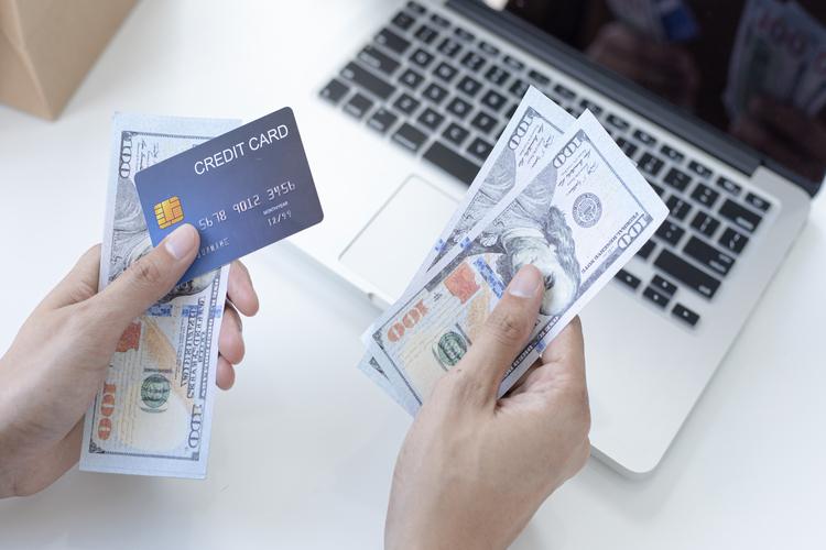 variacao do preco do dolar - Preço do dólar: fatores que impactam a cotação da moeda